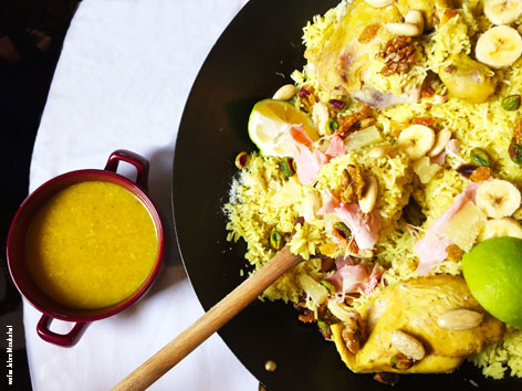 Chicken curry in a pan - DinoW
